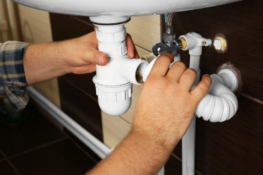 Replacing sink pipe