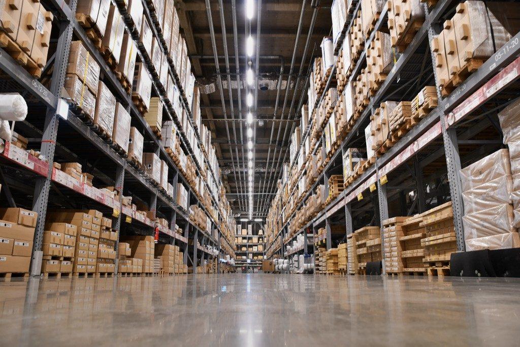 isle inside warehouse storage
